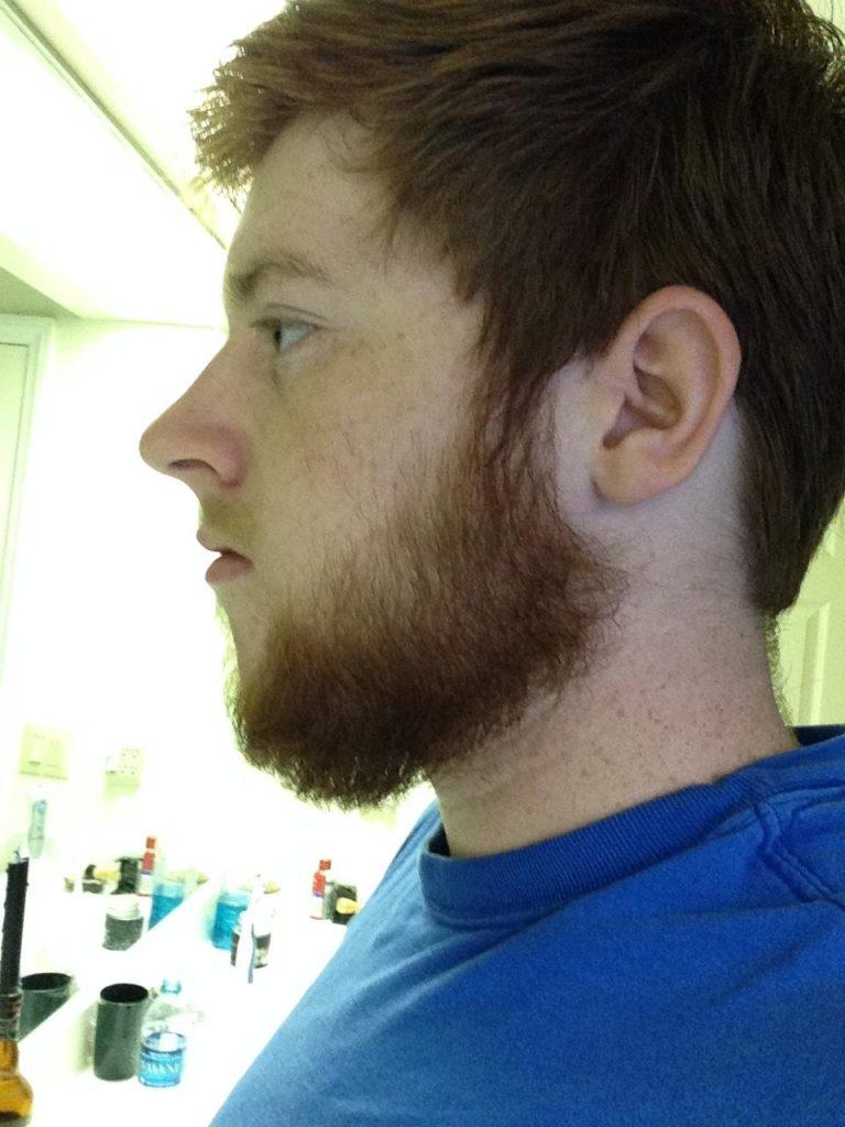 подросток с бородой