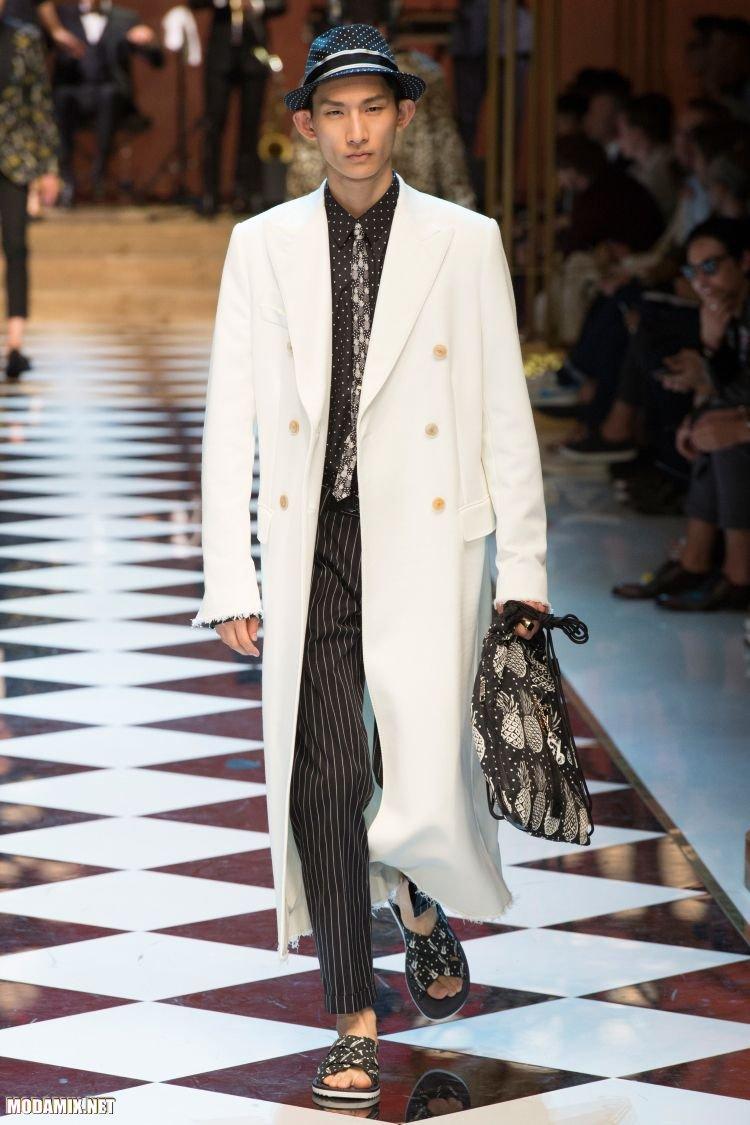 Модные мужские пальто белого цвета
