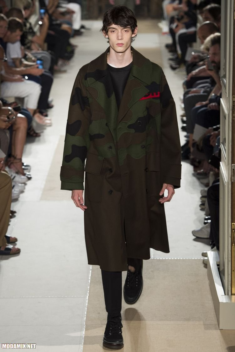 Мужское пальто с камуфляжным принтом