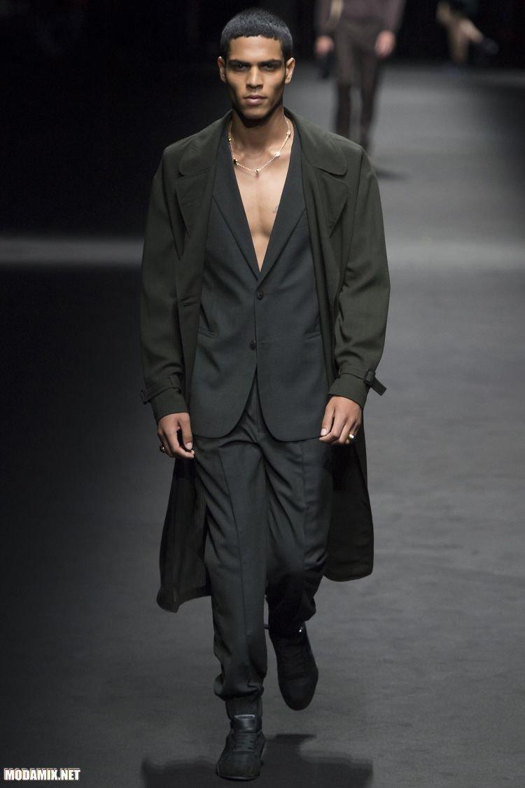Модное мужское пальто черного цвета 2017 весна