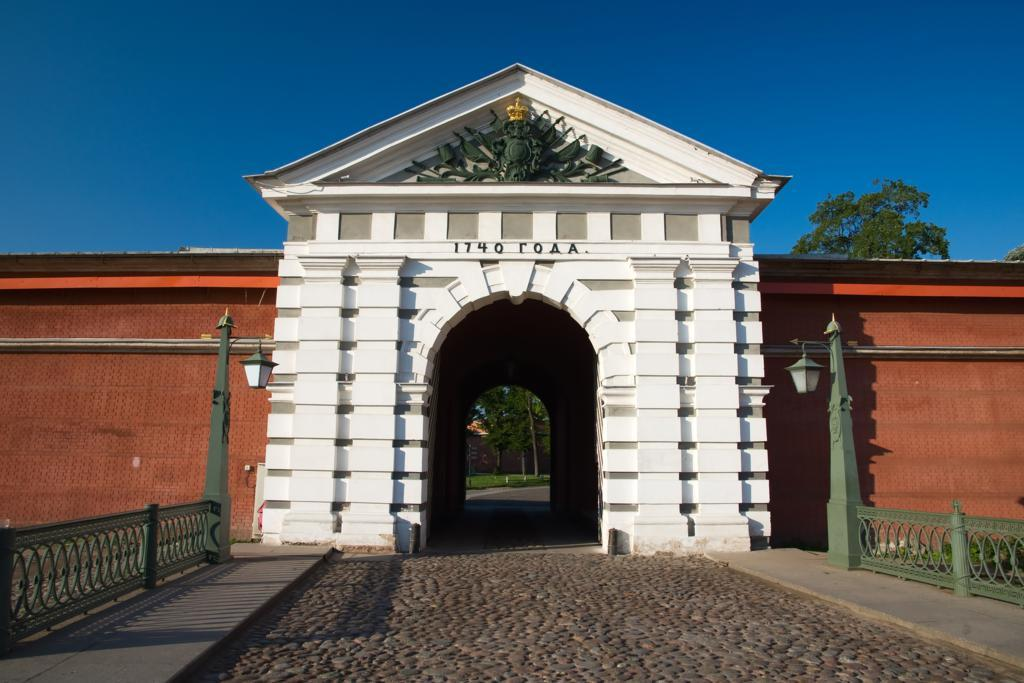 Иоанновские ворота в Санкт Петербурге. Фото