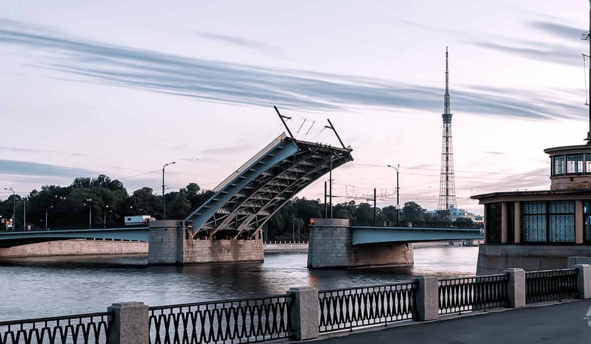 Гренадерский мост в Санкт Петербурге